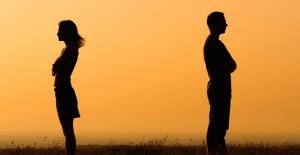 Aşk Acısı Çeken Burçlar Ne Yapar?
