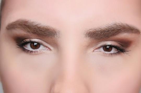 Çekik Gözlere Sahip Olmak İsteyen Kadınlar İçin Makyaj Taktikleri